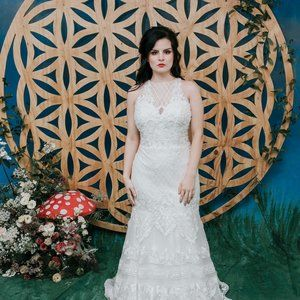 STUNNING NEW Wedding GOWN for a BOHO Babe!!